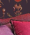 Anup,-col.02-Ornamente-Ballons-Klassische-Muster-Barock-Rot-Blau-Olive-Weiß