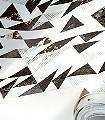 Bermondsey-Square,-Foil-Paper-Dreiecke-Moderne-Muster-Schwarz-Bronze-Weiß
