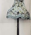 Flowery-Coolie,-blue-Lampe-Moderne-Muster-Grau-Anthrazit-Creme-Hellblau