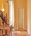 Zum-Nordflügel-Kunst-Türen-FotoTapeten-Braun-Gelb-Weiß