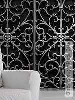 Tapete: Black Wrought Metal Gate