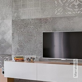 Price:587,50 EUR - Kollektion(en): - New Wallpaper