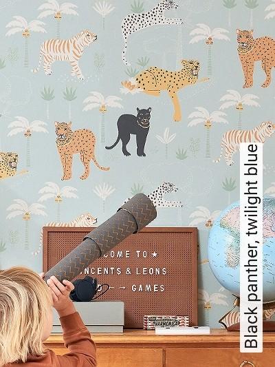 Black-panther,-twilight-blue-Tiere-Bäume-KinderTapeten-Orange-Schwarz-Hellgrün-Weiß-Ocker-Hellblau