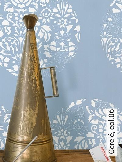 Cerclé,-col.06-Kreise-Blätter-Zeichnungen-Moderne-Muster-Weiß-Hellblau