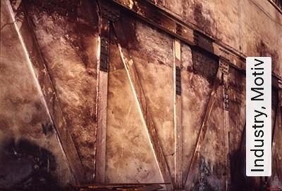 Industry,-Motiv-Landschaft-Kunst-FotoTapeten-Rot-Ocker