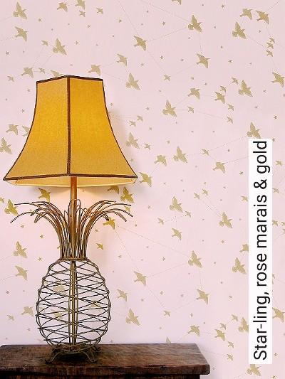 Star-ling,-rose-marais-&-gold-Vögel-Sterne-Moderne-Muster-Rosa
