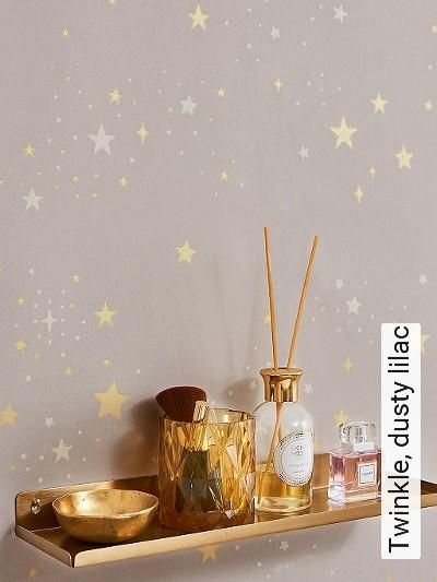 Twinkle,-dusty-lilac-Sterne-KinderTapeten-Gold-Weiß-Hellbraun