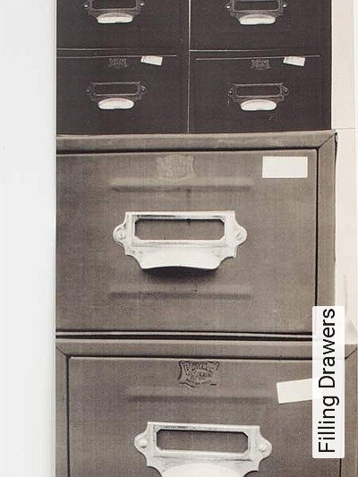 Bild: Tapeten - Filling Drawers